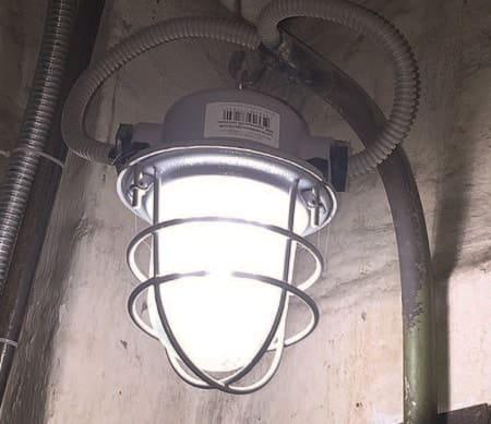 Светодиодный светильник в шахте