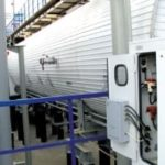 Ультразвуковой генератор «Акустик-Т4» (серый справа внизу) на подогревателе нефти