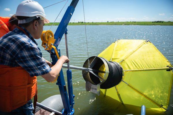 устройство для очистки вод от нефти