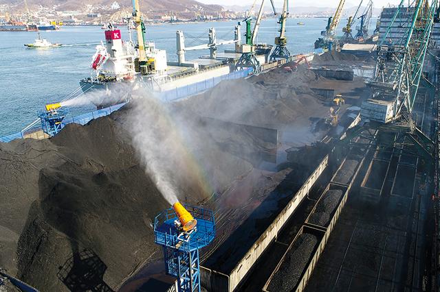 Пылеподавление при открытой перевалке угля в портах