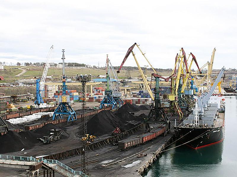 Погрузка угля в морских портах