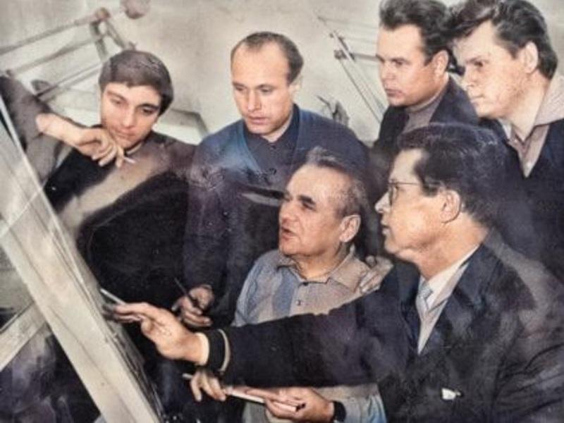 сотрудники завода газоочистительной аппаратуры в Семибратово