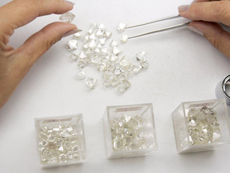 Сортировка алмазов, Алроса, сколько стоят алмазы?