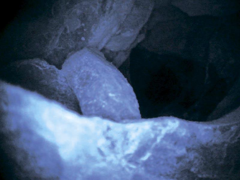 Изображения, полученные при помощи видеоэндоскопа, при исследовании скважин