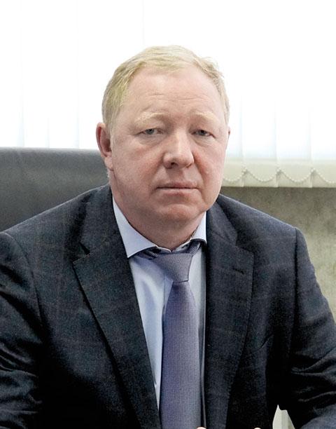 Нам помогал Вадим Овсянников, директор Уральского завода конвейерных лент