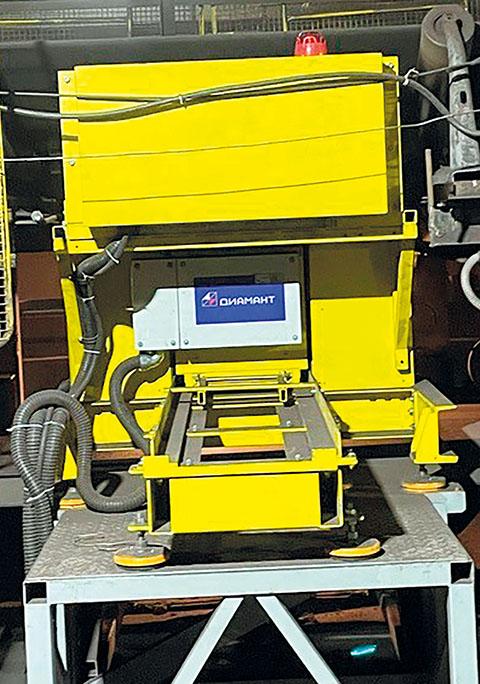 Рис. 3 Анализатор АГП-К на конвейере