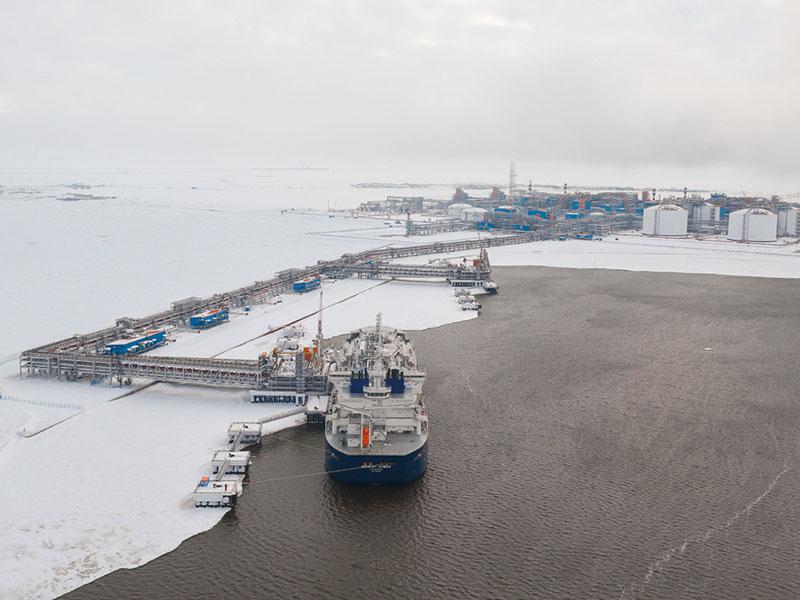 Добывающее предприятие на Арктике